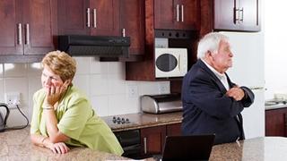 Abuelos en la cocina