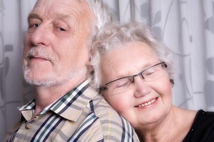 pareja de tercera edad felices