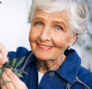 abuelita con flores