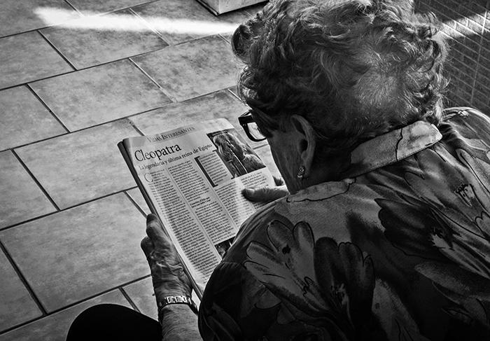 Beneficios de leer en la tercera edad, blog Grupo Retiro